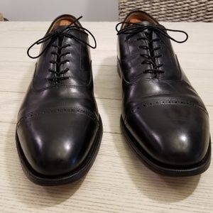 Johnston & Murphy Black Leather Cap Toe Oxford